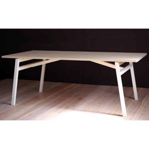 vastergarn-matbord-bjork