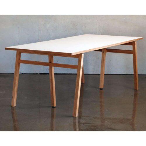 vastergarn-matbord-laminat