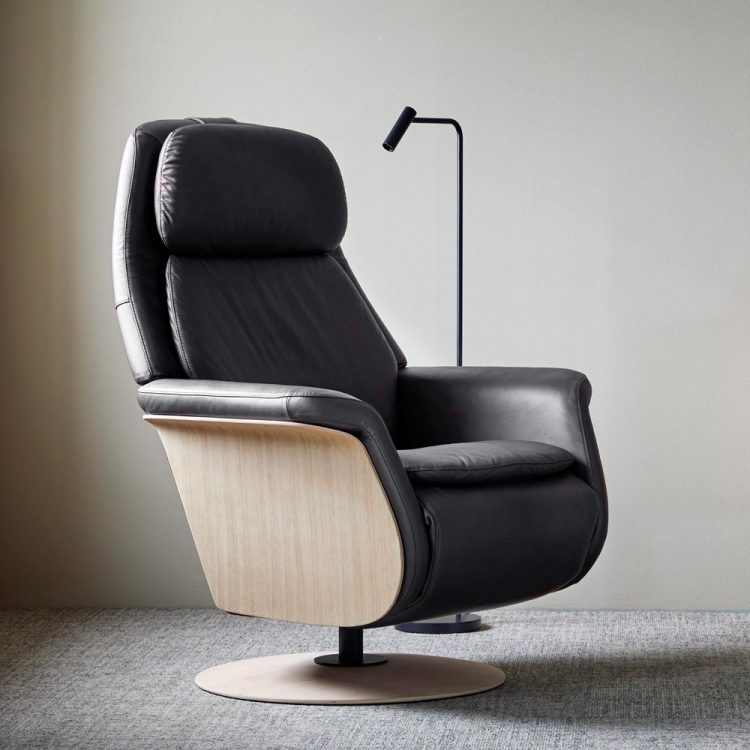 Stressless-Sam-Wood
